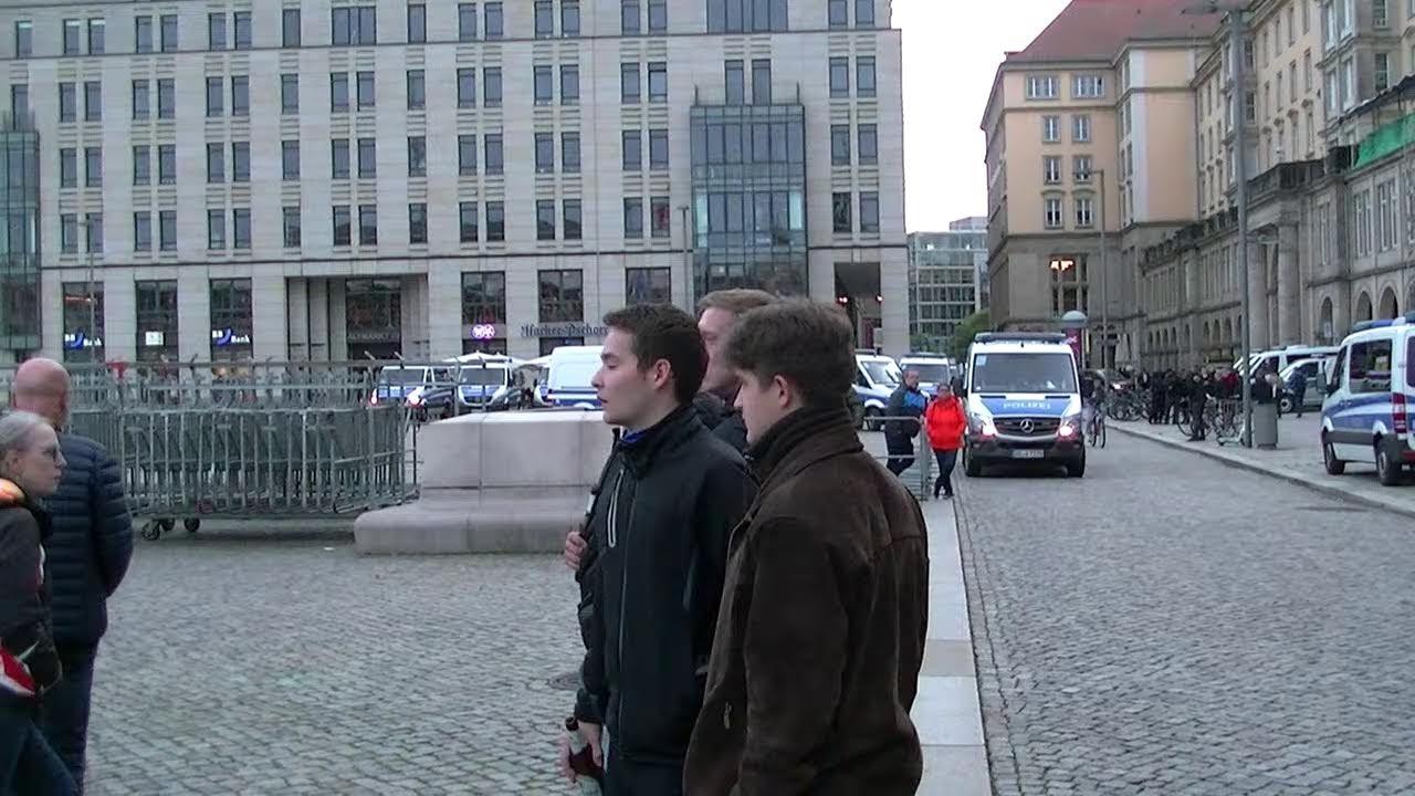 Live aus Dresden 17.10.2021 Berichterstattung  (gemäß des) Grundgesetzes Art.5