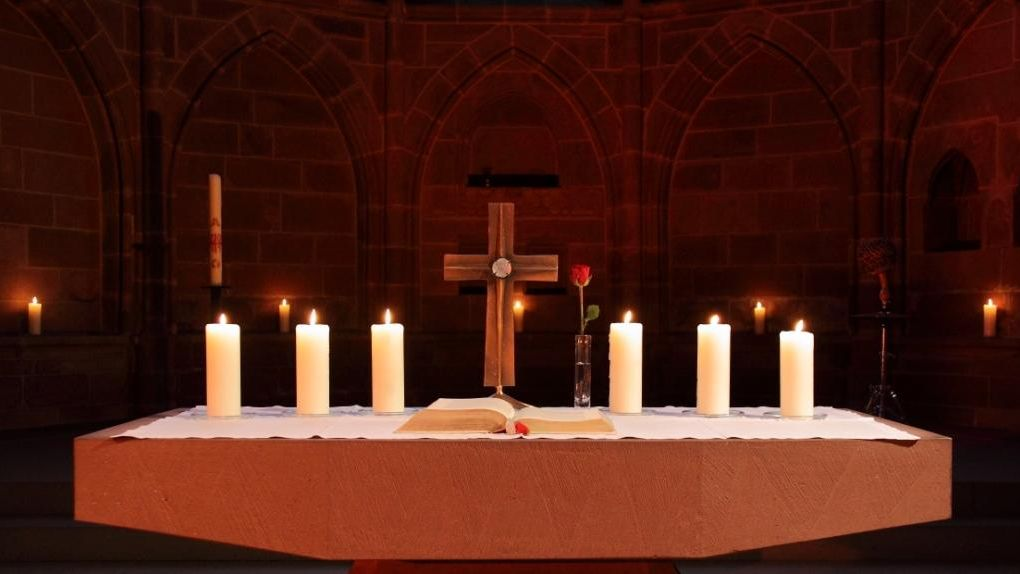 Kreuz aus Stiftskirche gestohlen-Image